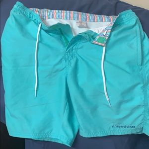 Men's or women's vineyard vines Extra small shorts